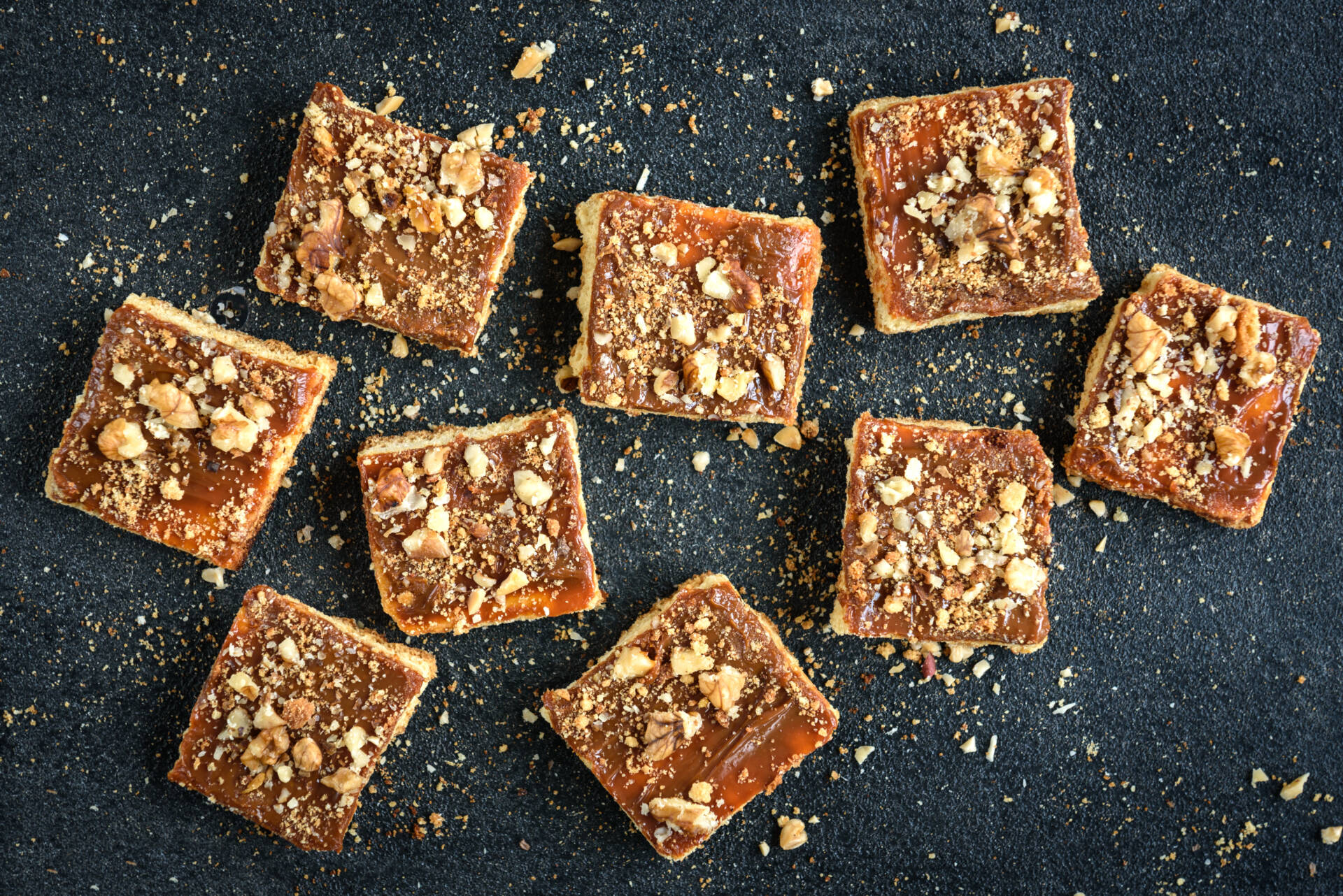 Chocolate pecan baked squares