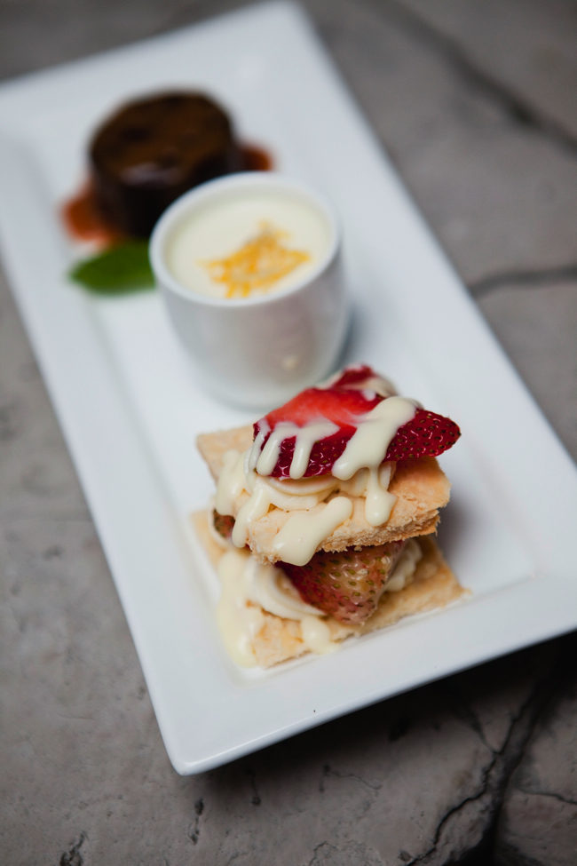 rachel-and-pauls-custom-dessert-trio-01